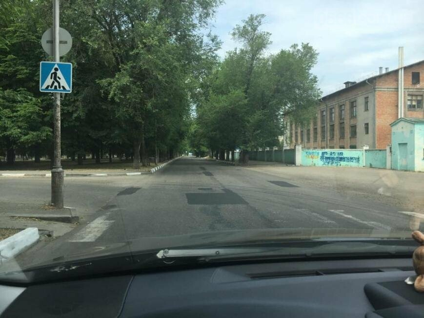 Куда уходят зебры: На перекрёстках Никополя без разметки пешеходных переходов нет, фото-2