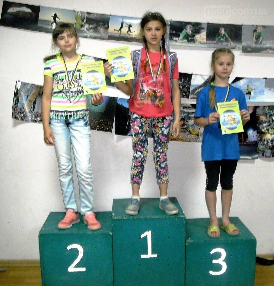 Юные никопольчанки на Чемпионате по скалолазанию , фото-1