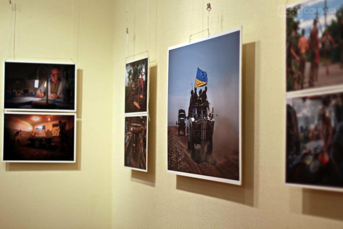Виставка волонтера та фотографа Дмитра Муравського в Нікополі, фото-1