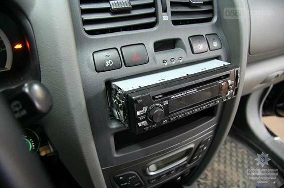 У Нікополі затримали серійного обкрадача автомобілів, фото-2