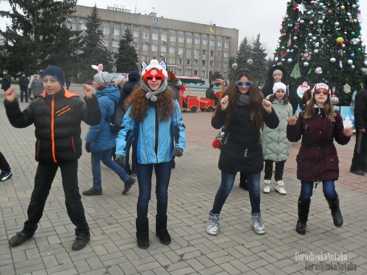Новогодние праздники под открытым небом в Никополе , фото-5