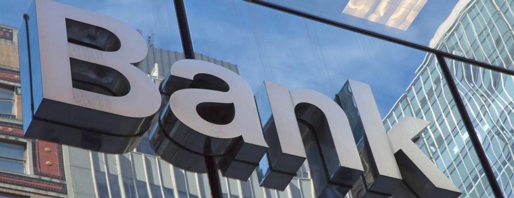 Отделение банка выставили на продажу в Никополе , фото-1