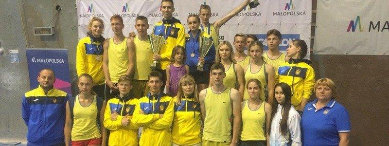 У Новомосковську до Дня Незалежності України пройде турнір з армреслінгу
